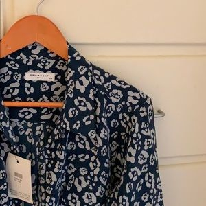 NWT 🕶 Equipment leopard print 💯 silk button up